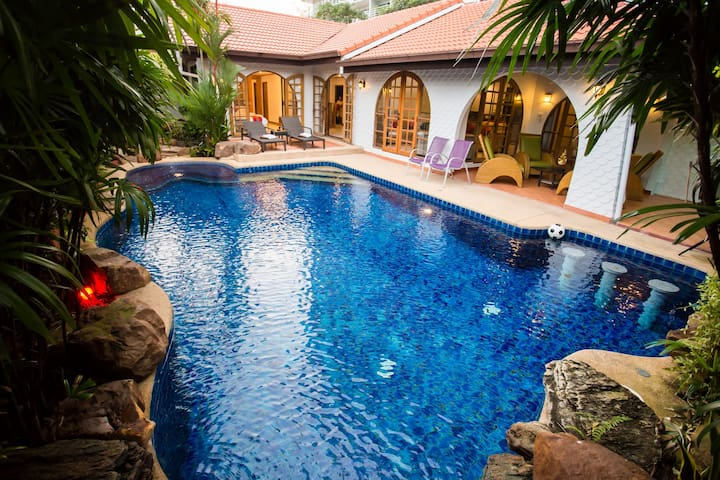 Grand Condo Wasana Pool villa 300meter from beach
