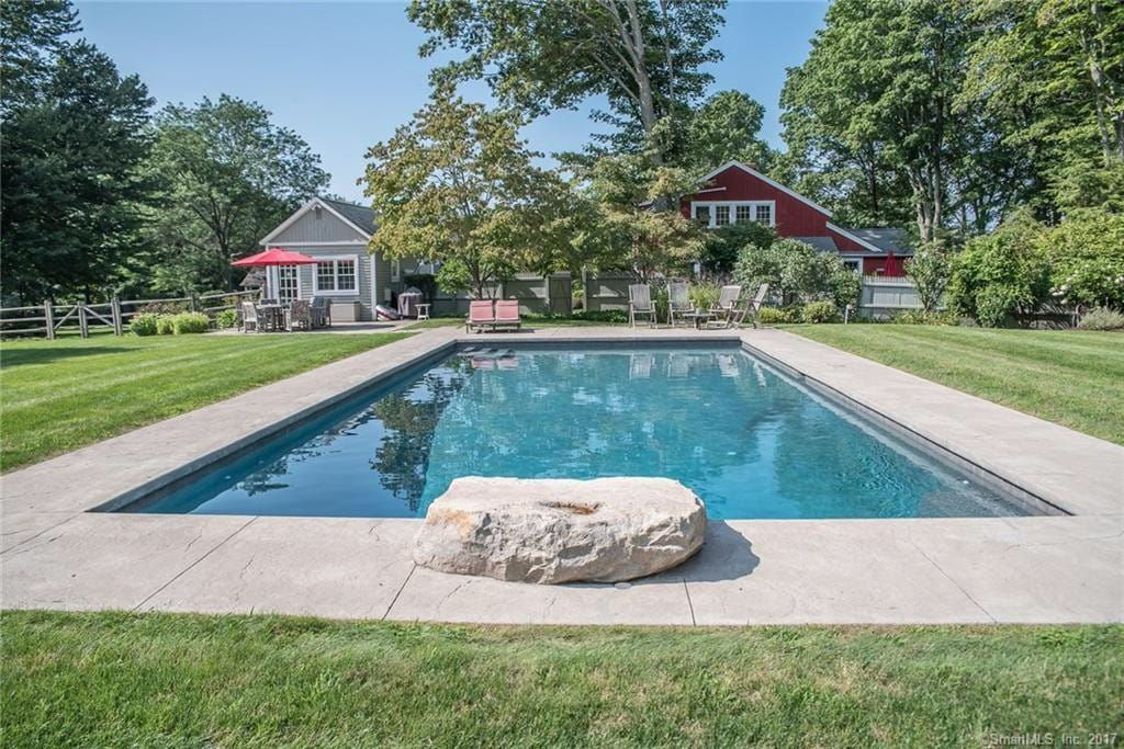 airbnb with pool ny state