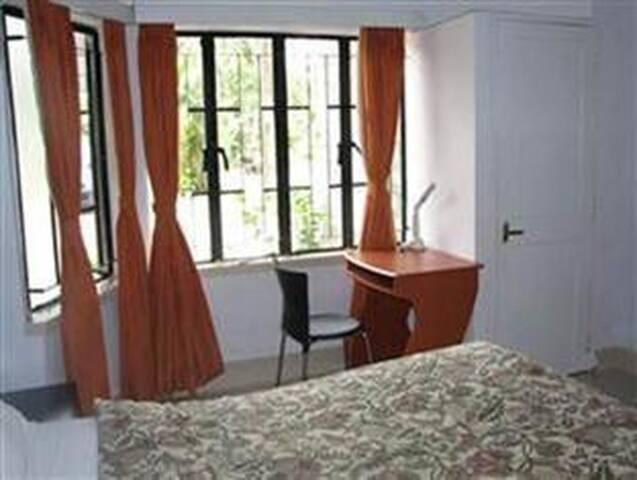 The Jagannath Hotel Near Kolkata Airport - Kolkata - Bungalov