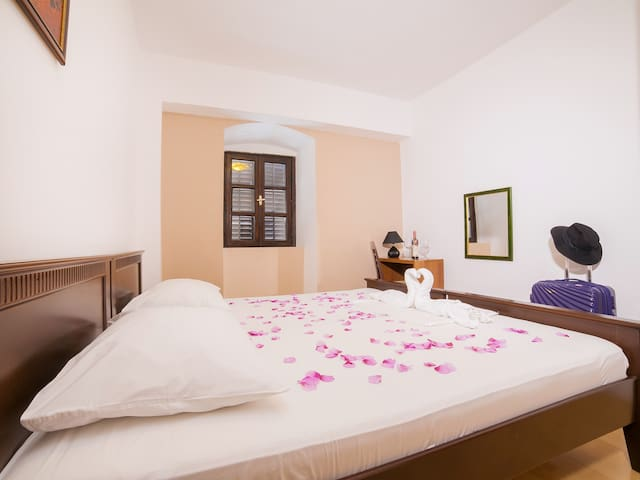 Kostanjica - Nice One Bedroom Apartment - Kostanjica - Apartamento