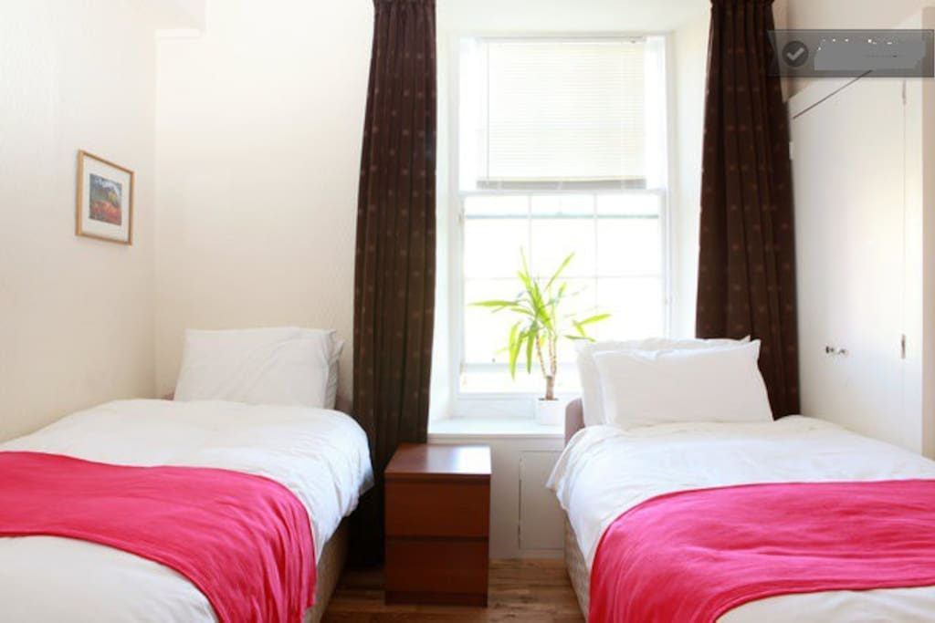 second room with twin beds or king size double bed for 2 + persons . by garden side