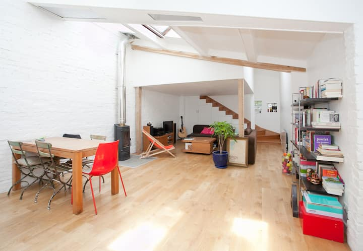 Loft, 10 min to the center of Paris