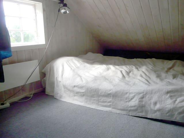 loft bed 160 cm