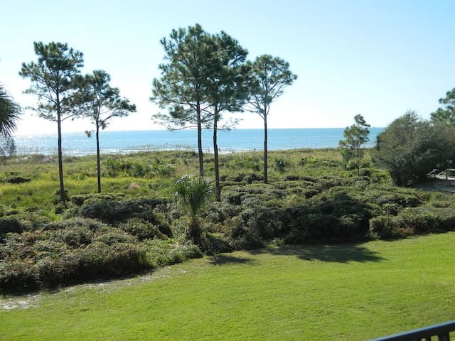 Ocean Front Condo w/Heated Pool-South Forest Beach