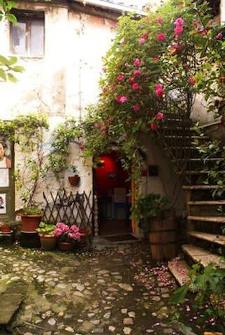 Intera casa/apt a calcata vecchia - Calcata Vecchia - Rumah Bumi