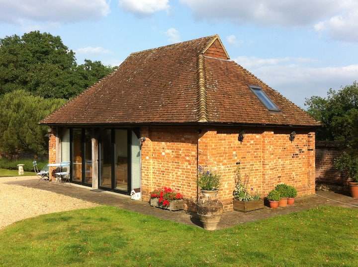 Stunning spotless self-contained cottage