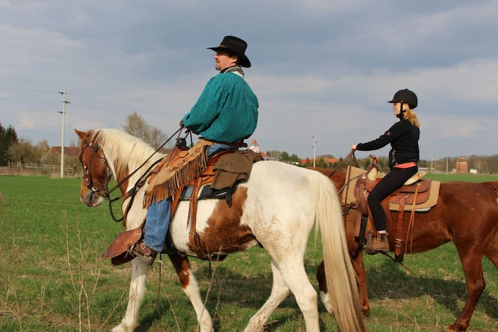 Enjoy Ladies Cowgirl Camps with Cowboy Adventures!
