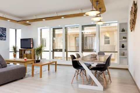 Clemenceau 2BD Loft (5th Floor)