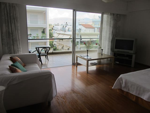 Athens-Voula, Beach Apartment 62m2 - Voula - Appartement