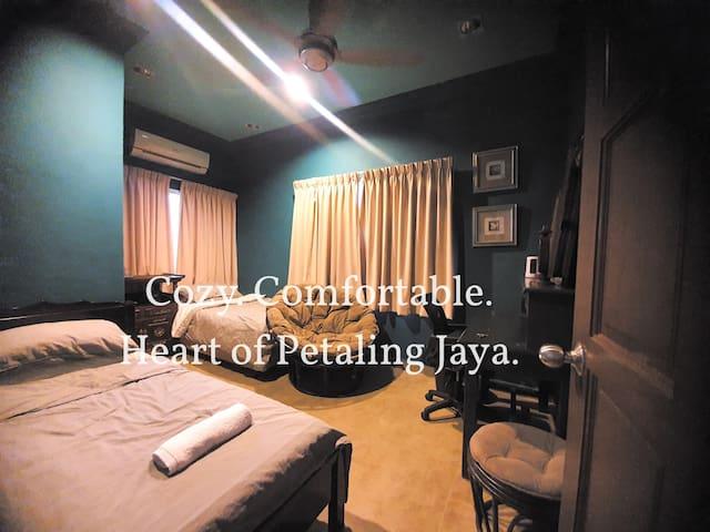 Home 56 @ Taman SEA, Petaling Jaya