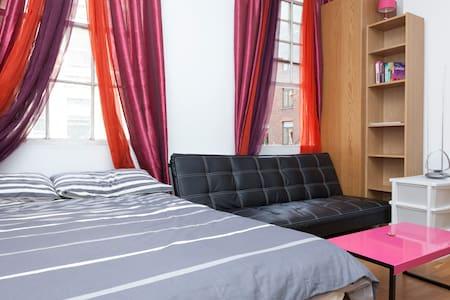 Cosy Studio Flat in Soho