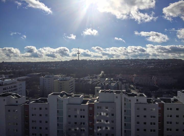 Schöne, gemütliche möblierte 2 Zi Wohnung in Rgbg