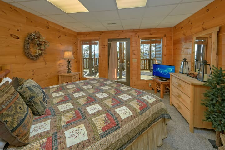 Slip away into our downstairs King suite with private entry to the lower deck.