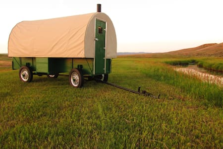 Fully Restored 1920s Sheep Wagon - Camper/Roulotte