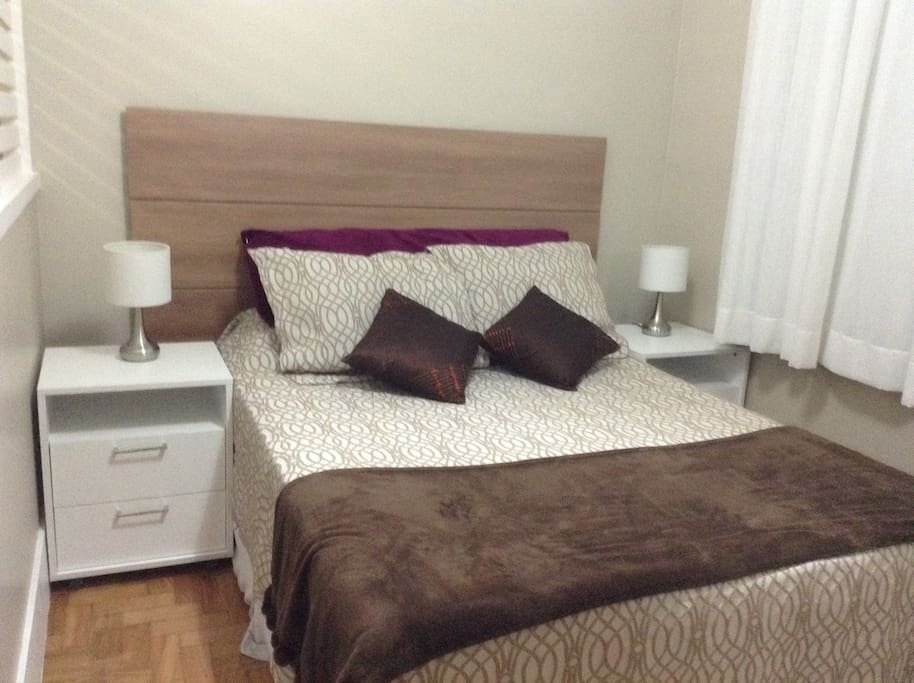cama de casal com colchão novo e confortável