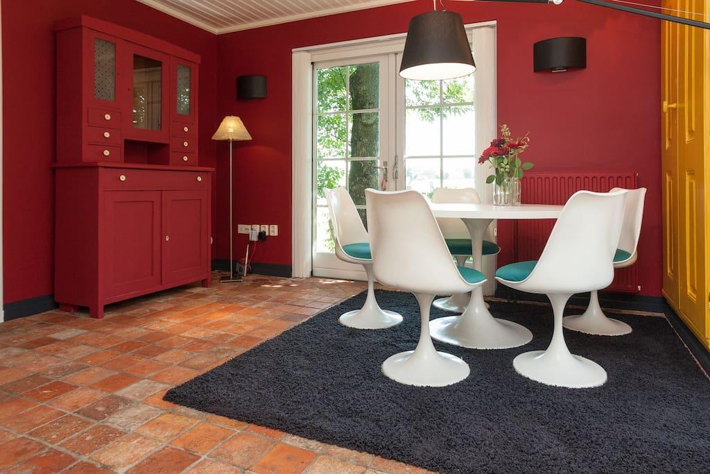 Diningroom, Saarinen Tulip