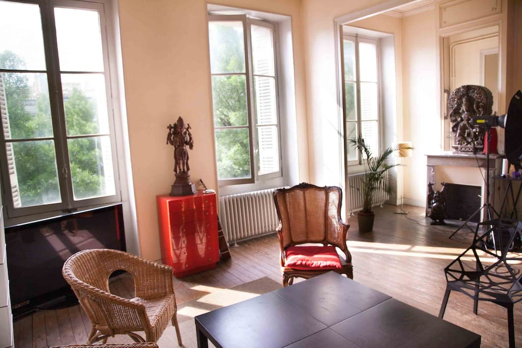 T3 90 m triangle d 39 or bourgeois appartements louer for Appartement bordeaux triangle d or