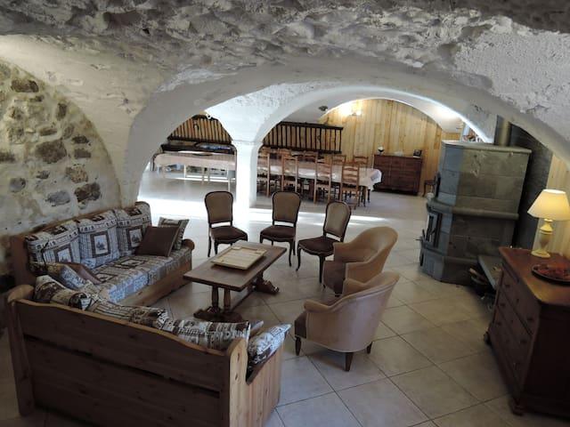 Grande maison dans le Champsaur - Le Noyer - Casa