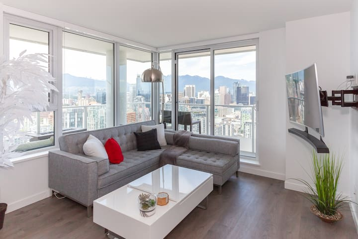 2bdrm High in the Sky Yaletown