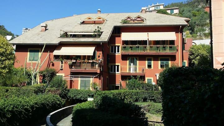 Apartment in Bonassola 300 m from beach