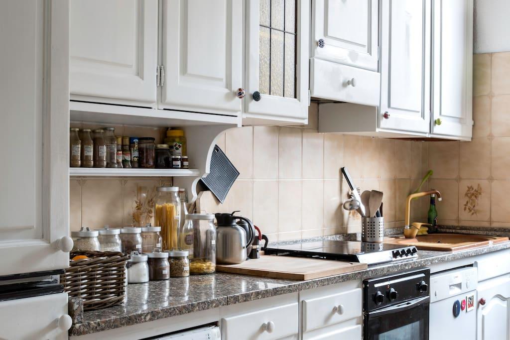 Bright Lounge Kitchen