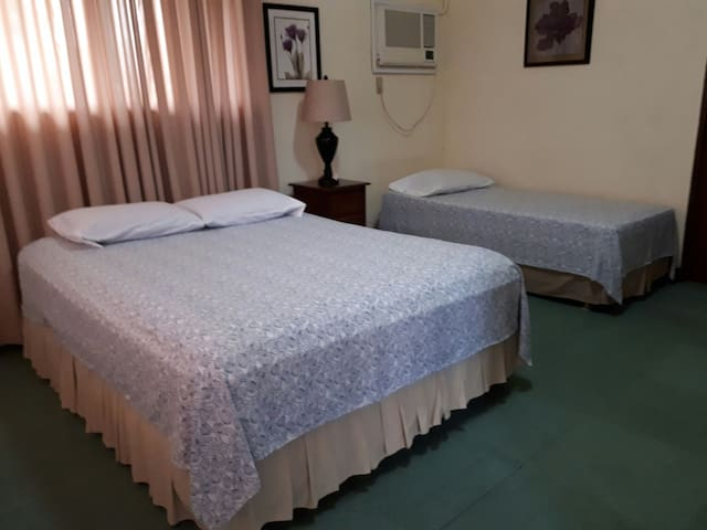 Stellar Hot&Cold Private Bathroom - Tacloban City - Bed & Breakfast