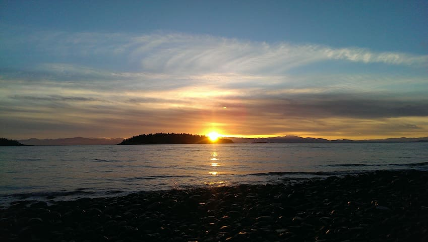 Home by the Sea - Sechelt - Autre
