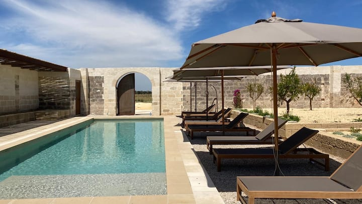 Charming Masseria in countryside Salento