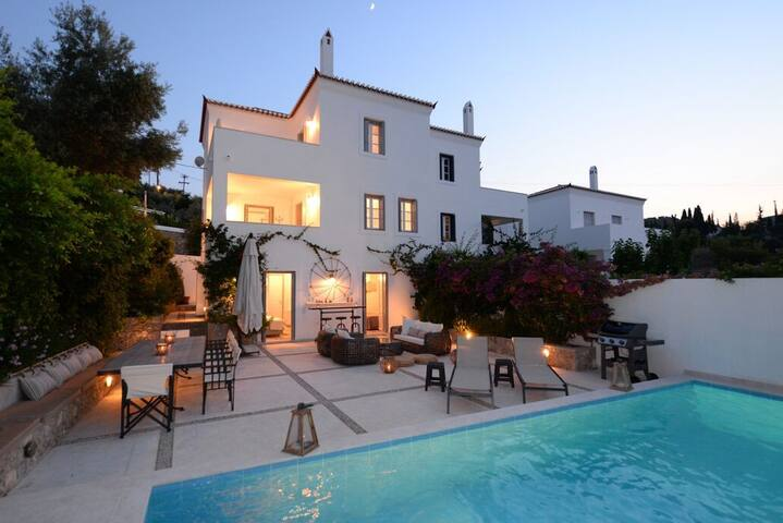 Spectacular 5BR 6BA Spetses Villa w/ Private Pool!