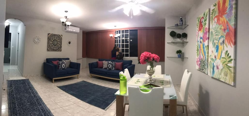 Amplio y cómodo Apartamento, cerca de Alta Plaza M