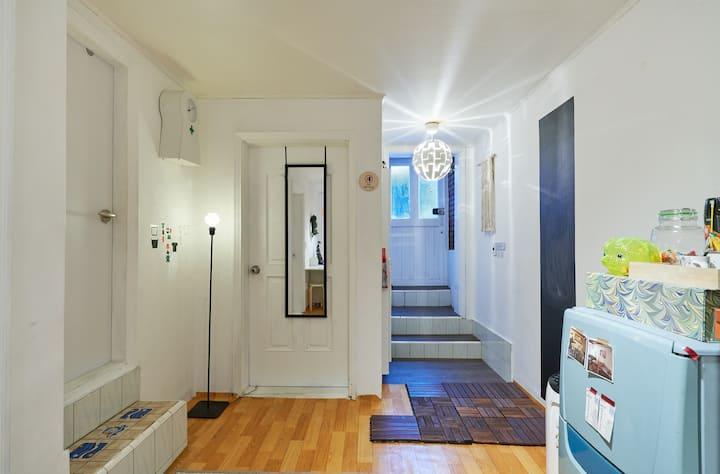 홍대역 합정 망원 상수 연남동 Smart Cozy House 2ROOM! 7BED