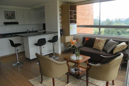 Lindo apartamento campestre cerca al Aeropuerto - Rionegro - アパート