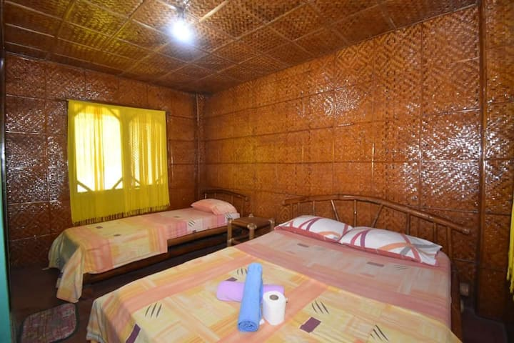 Orchids Resort - Fan Room with 2 Beds
