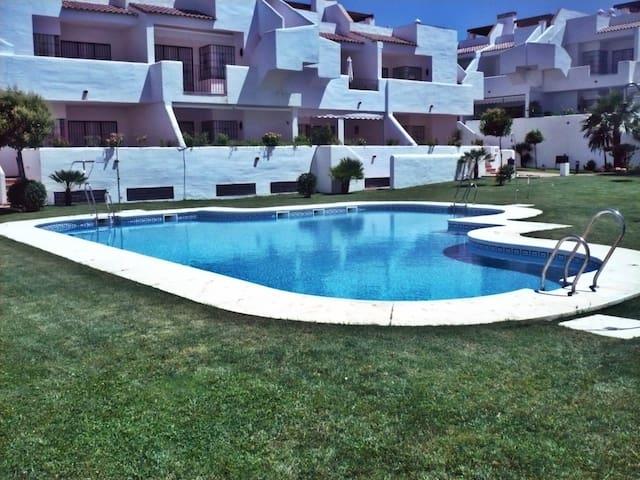Bonito apartamento en urbanización Hacienda Golf - Lepe - Apartment
