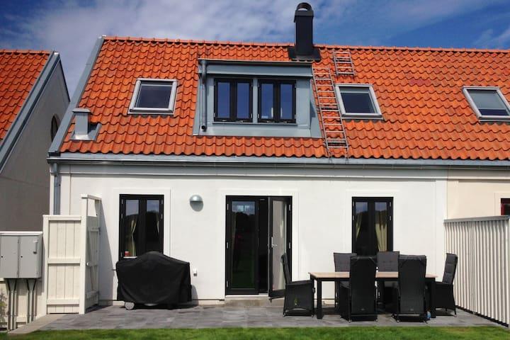 New house in Torekov, golf, tennis, sauna & pool