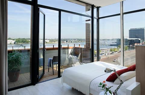 Central, Exclusive Penthouse with River View