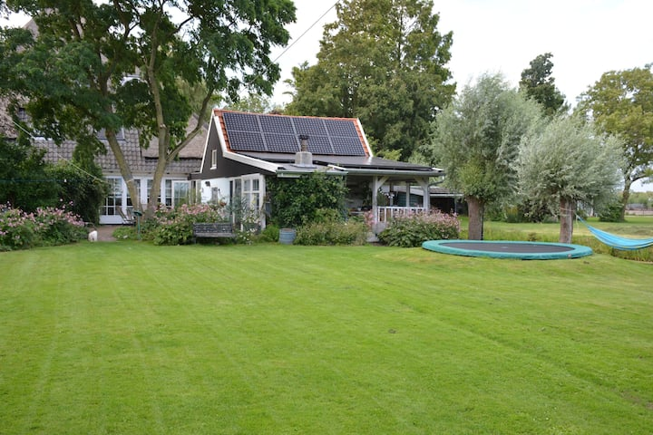 charming farmhouse for 9 guests