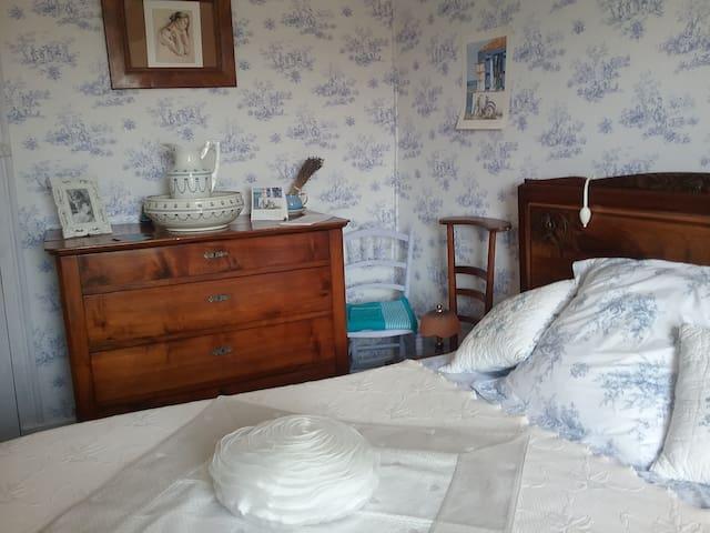 Jolie Chambre dans maison de campagne