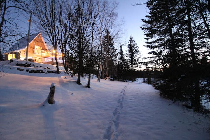 Chalet Amico - private sandy Beach - 4 Bedrooms