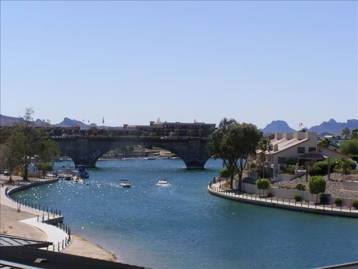 Kings View Condo with Water Views-Lake Havasu City