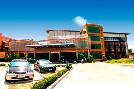 Chawlada Hotel - Nakhon Si Thammarat - Bed & Breakfast