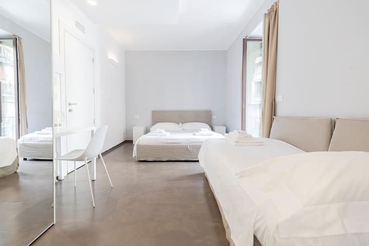 Bright Superior room in the heart of Milan
