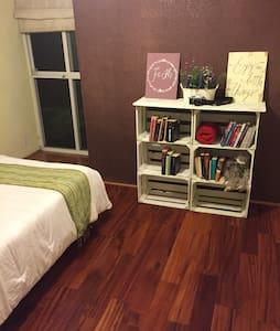 Great bed & breakfast cosy room - Naucalpan - Bed & Breakfast
