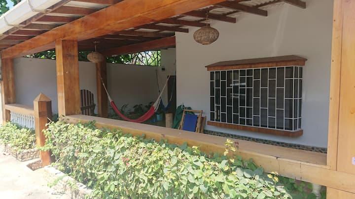 Linda casa en Olon, a 100mts de la playa!