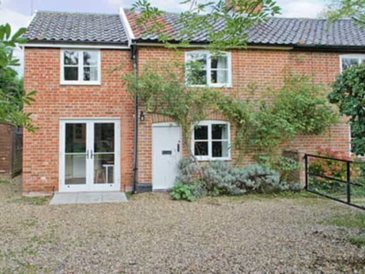 Hawthorn Cottage (25488)