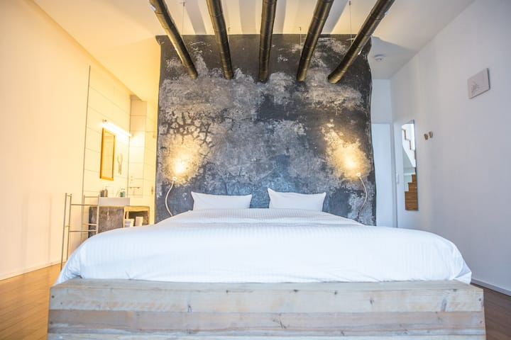 Luxe kamer met bad in BNB Nest