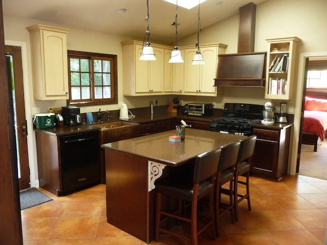 3 BR 2 BA home in San Carlos - San Carlos - Huis