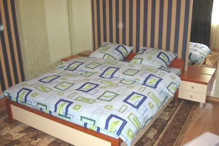 green 1 room flat in Kherson center - 헤르손