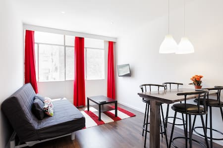 Room type: Entire home/flat Property type: Apartment Accommodates: 3 Bedrooms: 0 Bathrooms: 1