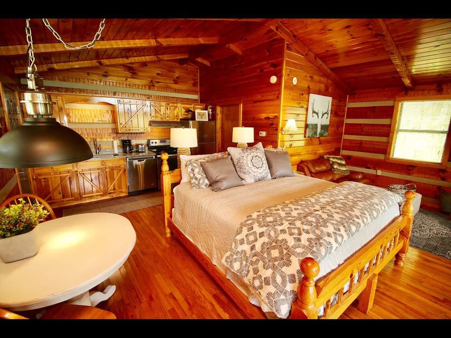 Luxurious Finishes Everywhere In This Incredibly Welcoming Log Cabin!